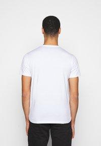 Belstaff - SHORT SLEEVED - T-shirt basic - white - 2