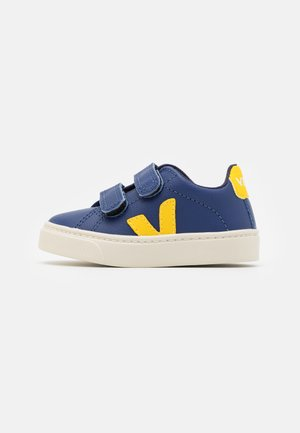 SMALL ESPLAR - Zapatillas - cobalt tonic