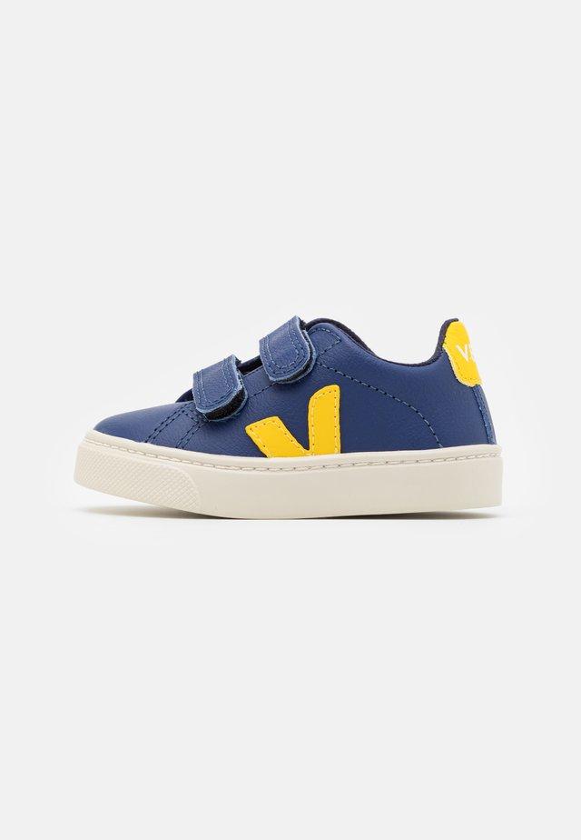 SMALL ESPLAR - Sneakers laag - cobalt tonic
