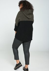 Paprika - Zip-up hoodie - khaki - 2