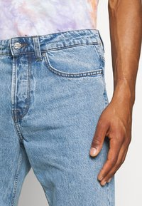 Only & Sons - ONSAVI BEAM LIFE CROP - Relaxed fit jeans - blue denim - 4
