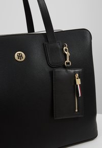 Tommy Hilfiger - CHARMING WORK BAG SET - Portfölj / Datorväska - black