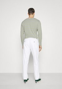 Lindbergh - ELASTIC WAIST PANTS - Trousers - white - 2
