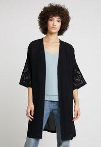 Culture - SICILLA KIMONO - Summer jacket - black - 0