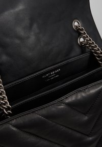 Kurt Geiger London - KENSINGTON BAG - Borsa a mano - black