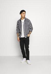 adidas Originals - STRIPE UNISEX - Print T-shirt - chalk white - 1