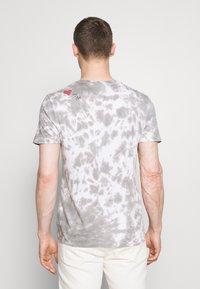 GAP - PRIDE - Print T-shirt - grey - 2