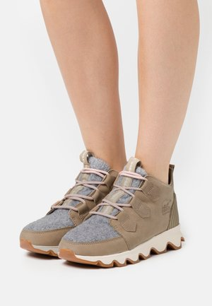 KINETIC CARIBOU NATUREBE - Winter boots - beige