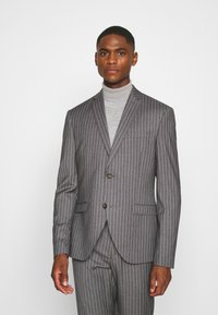 Isaac Dewhirst - BOLD STRIPE SUIT - Traje - grey - 2