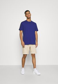 adidas Originals - 3 STRIPE TEE - T-shirts print - victory blue/black - 1