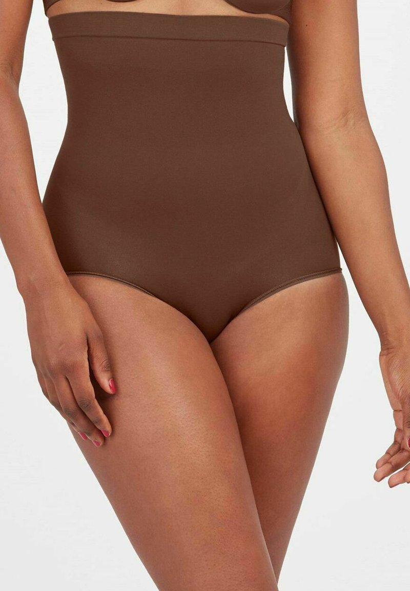 Spanx - HIGHER POWER - Shapewear - chestnut brown
