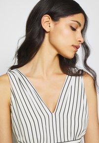 Lauren Ralph Lauren Petite - DANIKA SLEEVELESS DAY DRESS - Maxi dress - cream/navy - 3