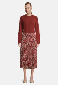 Betty & Co - Pleated skirt - red/rosè - 1
