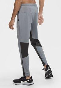 Nike Performance - ELITE PANT - Tracksuit bottoms - smoke grey/dark smoke grey - 2