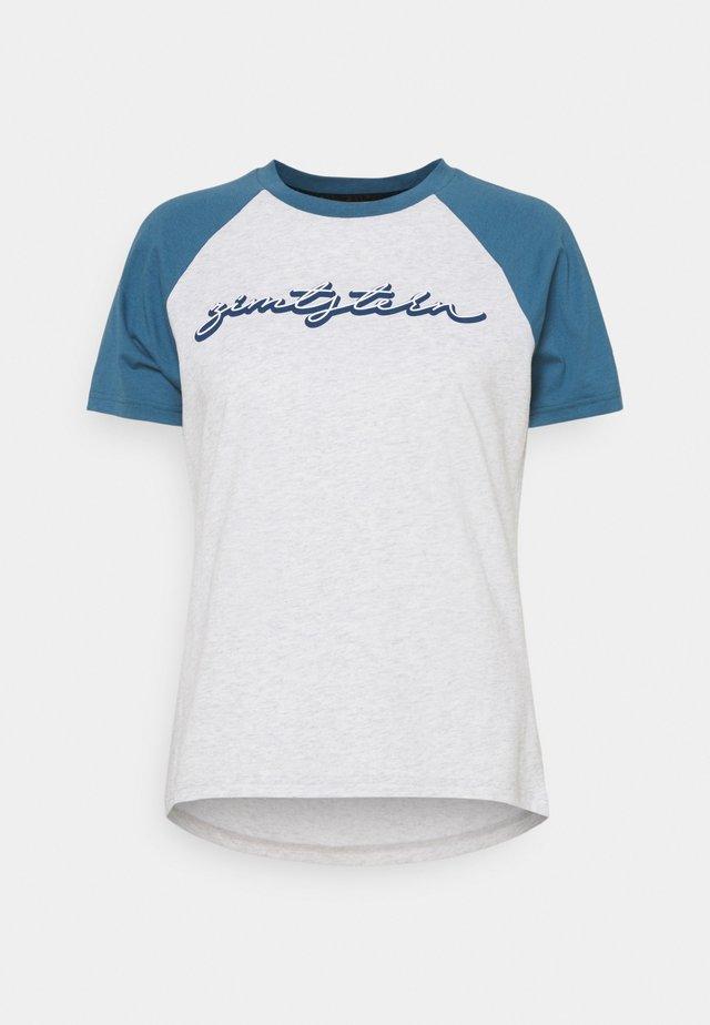 SWEETZ TEE - T-shirt imprimé - glacier grey melange/blue steel