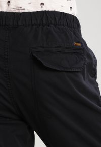 INDICODE JEANS - LEVI - Cargo trousers - black - 4