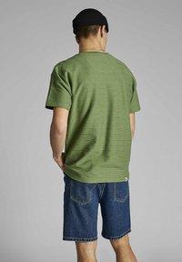 Anerkjendt - T-shirt print - vineyard green - 1