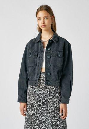 MIT KONTRASTFARBENEN KNÖPFEN - Giacca di jeans - mottled black