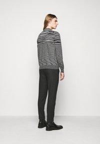 Missoni - SLEEVELESS CREWNECK - Pullover - black/white - 2