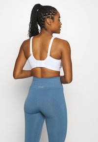 Shock Absorber - ACTIVE D + CLASSIC BRA - High support sports bra - white - 2