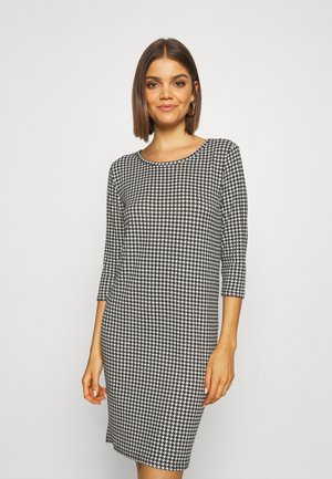 ONLELCOS DRESS - Jumper dress - cloud dancer/houndstooth