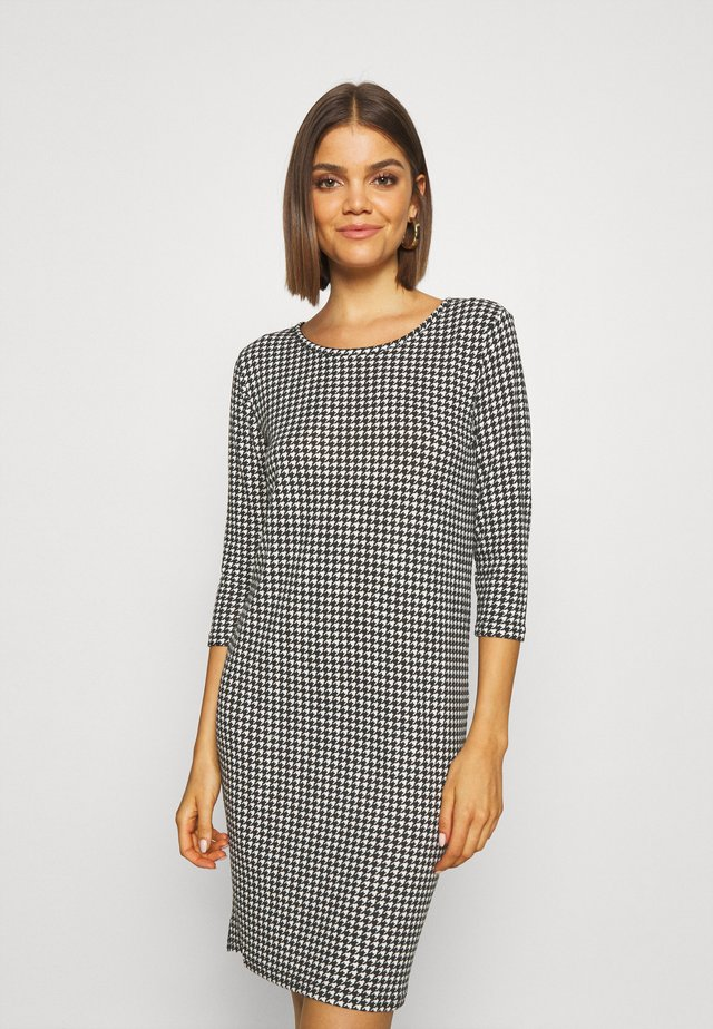 ONLELCOS DRESS - Robe pull - cloud dancer/houndstooth
