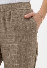 BRAX - Broek - brown sugar - 3