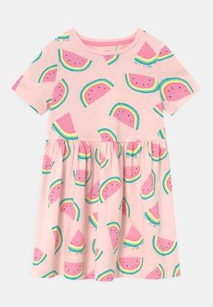 MELON DRESS - Jerseykjoler - pink