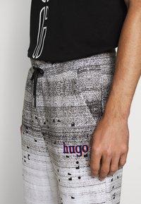 HUGO - DONACO - Jogginghose - white - 4