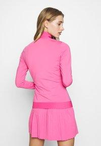 J.LINDEBERG - LIZA LIGHT MID - Sportovní bunda - pop pink - 2