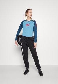 Zimtstern - PUREFLOWZ - Sports shirt - heritage blue/french navy - 1