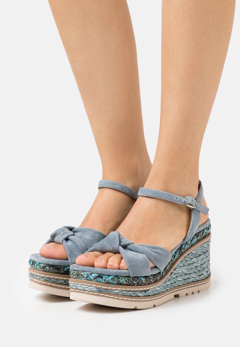Alma en Pena - Sandály na platformě - jeans