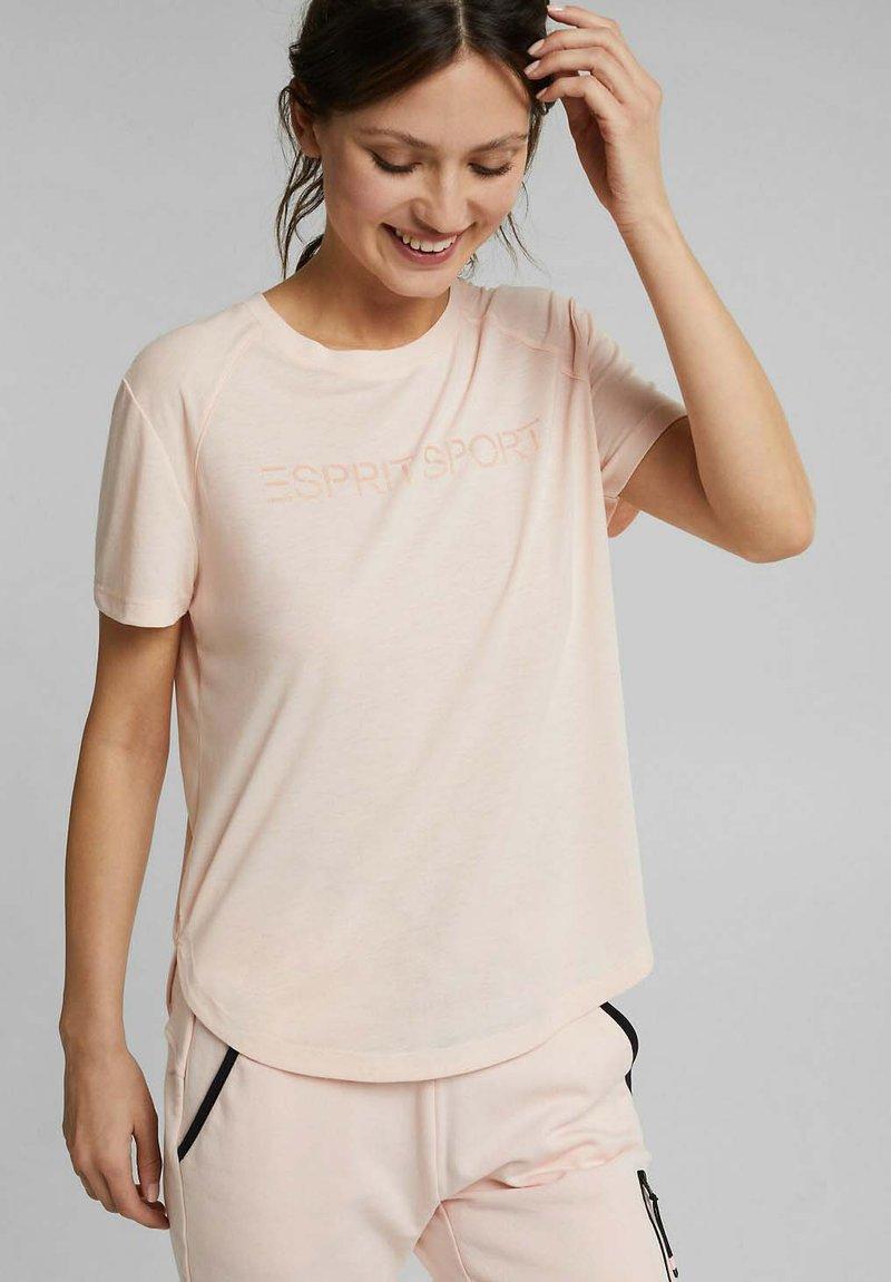 Esprit Sports - MIT LOGO-PRINT - Print T-shirt - peach