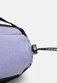 The North Face - BOZER HIP PACK III  L UNISEX - Bum bag - sweet lavender/black - 5