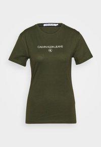 Calvin Klein Jeans - ROUND TEE - Print T-shirt - deep depths - 4