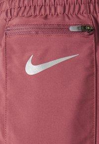 Nike Performance - TEMPO LUXE SHORT  - Short de sport - canyon rust/pink glaze - 2