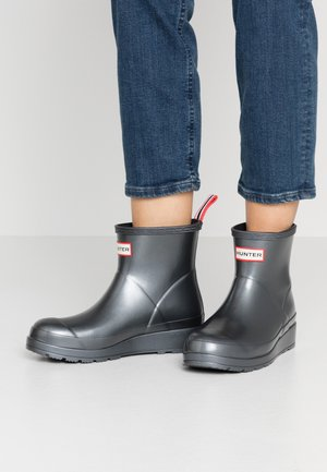 WOMENS PLAY SHORT - Wellies - black