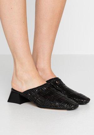 ARAXIE - Pantofle - black