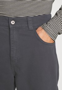 Kickers Classics - UTILITY TROUSER - Trousers - grey - 4