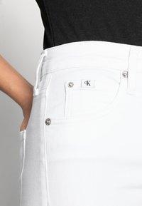 Calvin Klein Jeans - HIGH RISE SUPER SKINNY ANKLE - Skinny džíny - white - 3