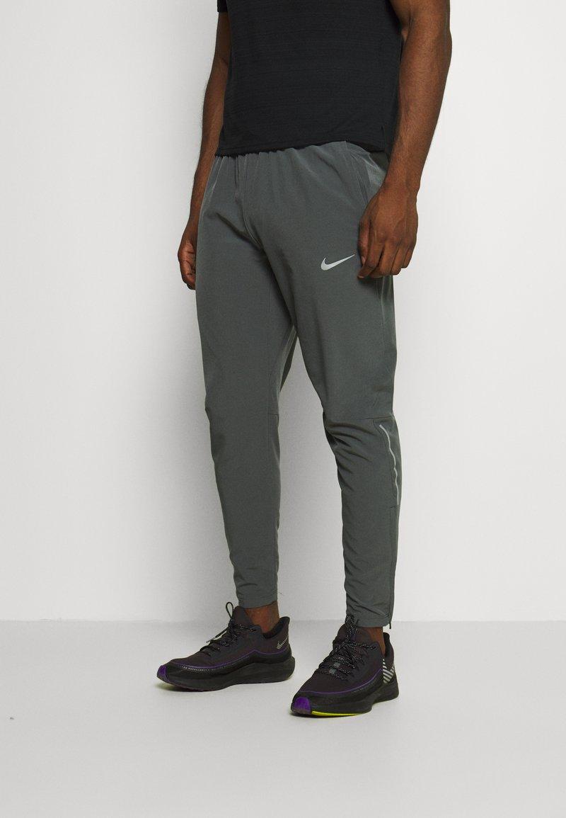 Nike Performance - ELITE PANT - Pantaloni sportivi - iron grey