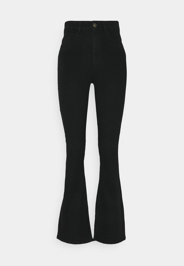 PCPEGGY FLARED - Flared Jeans - black