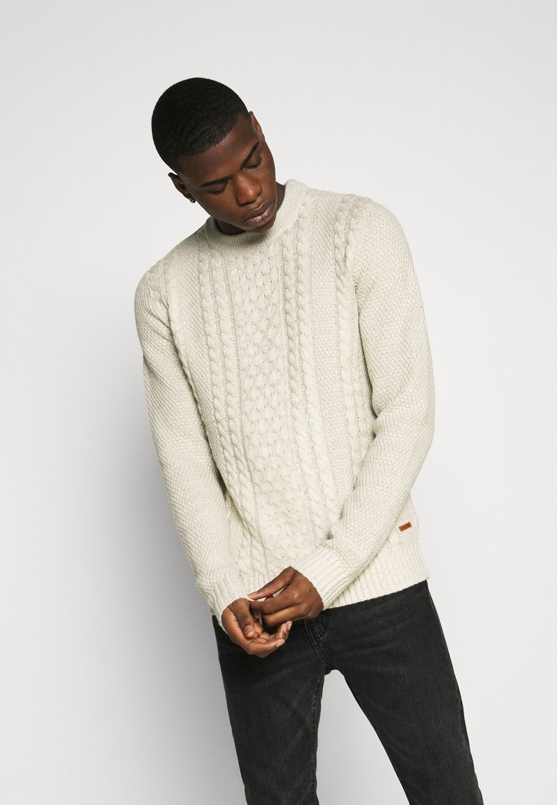 Jack & Jones - JJKIM CREW NECK - Pullover - cloud dancer