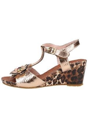 LAURA VITA SANDALEN - Sandalen met sleehak - marron