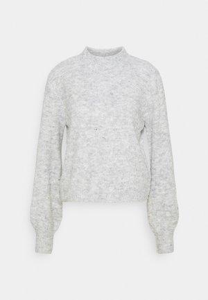 VMCARINA HIGHNECK BLOUSE - Stickad tröja - light grey melange