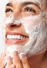 Dermalogica - DAILY MICROFOLIANT®  - Face scrub - - - 3