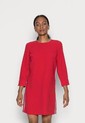 ANGELA SHIFT KNEE DRESS  - Shift dress - primary red