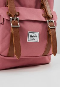 Herschel - LITTLE AMERICA MID VOLUME - Batoh - heather rose - 2