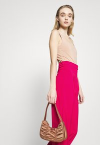 4th & Reckless - VIVIAN TROUSER - Trousers - pink - 3