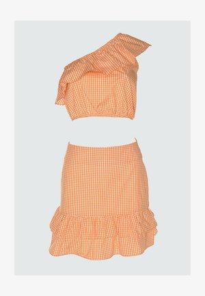 SET - Top - orange